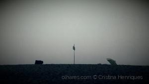 /The beach, the fog, the flag...