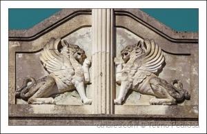 /Leões com asas (alados) - ver texto