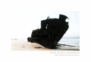 /Postais de África #7 - Barco Velho