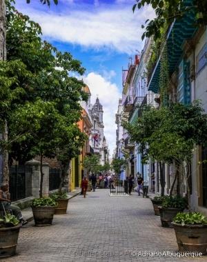 Paisagem Urbana/Caminhando por Havana.