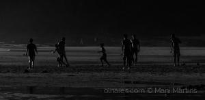 /uma peladinha na praia