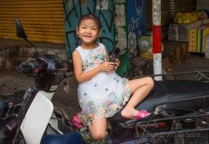 /P´las ruas de Hánoi...(menina Xuan)