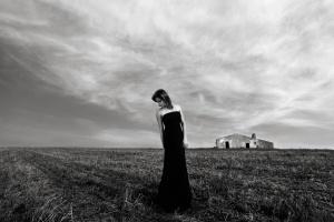 Retratos/Lara e um cálice de nuvens