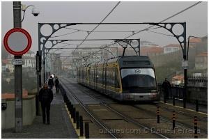 /O Metro na Ponte D. Luís I