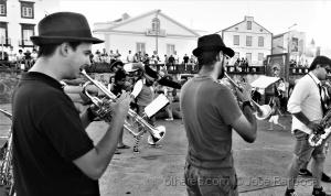 /Hoje é o Dia Mundial da Musica .