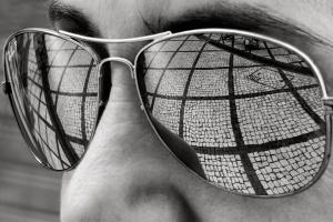 Retratos/Geometrias - um olhar na calçada portuguesa