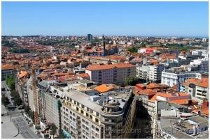 /Os telhados de uma cidade