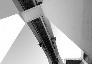 Paisagem Urbana/por baixo da ponte
