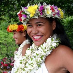 /Bailarinas Tahitianas Emflorecidas