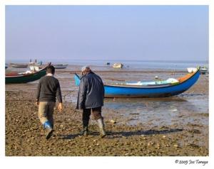 Outros/Sinais de homens à beira mar...
