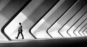 Gentes e Locais/Walking in diagonal.