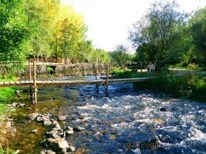 /Ponte pedestre sobre o Rio Alva