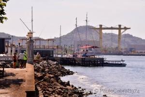 Outros/ponta da praia em santos entrada do porto