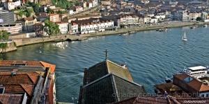 Paisagem Urbana/Caves do vinho do Porto em Gaia