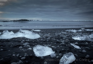 /Ice rocks on the shore