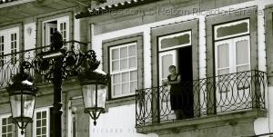 Gentes e Locais/Menina... estás à janela