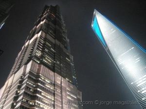 /Xangai, quanto mais cresce, mais afunda (ler)