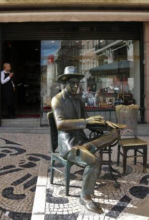 /Fernando Pessoa no Chiado ( Lisboa )