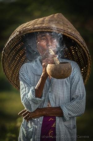 Gentes e Locais/The smoker