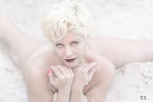 Retratos/Pure White