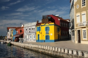 Paisagem Urbana/casas coloridas