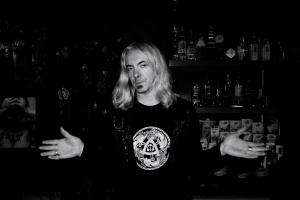 Retratos/O barman