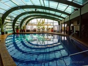 /Reflexos na piscina