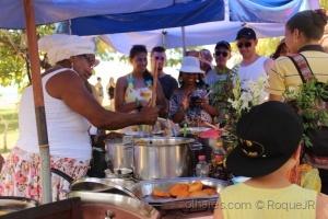 Gentes e Locais/Fazendo acarajé