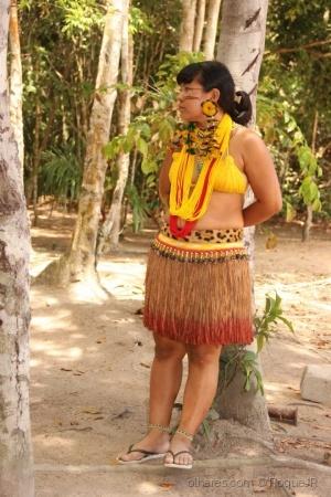 Gentes e Locais/Indígena na selva
