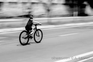 /O Pequeno Ciclista