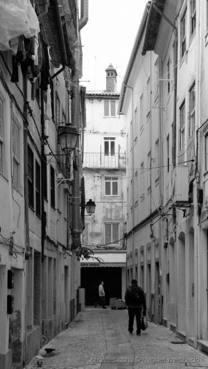/Coimbra alley ...