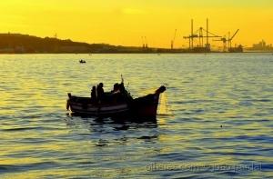 Gentes e Locais/Pescando ao Romper do Dia