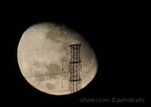 Abstrato/Antena na Lua