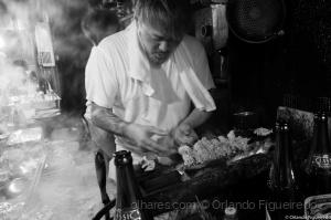 Gentes e Locais/Yakitori cook