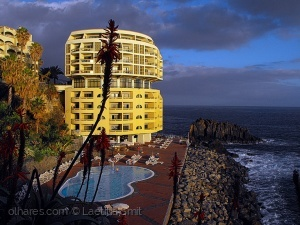 /Hotel ....on the rocks