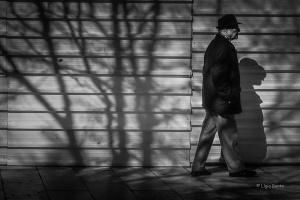 Paisagem Urbana/caminhando no meio das sombras...