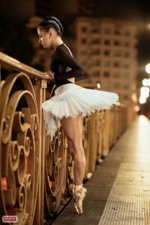 /Bailarina noturna