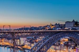 /Vista para a bela Ponte de D. Luís e para o Porto!