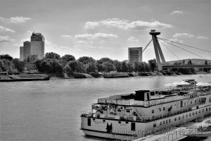 /O Danúbio, em Bratislava...