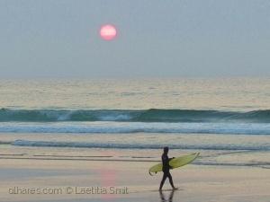 Gentes e Locais/lonely surfer...Ler