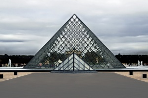 Gentes e Locais/2 pirâmides (ler)