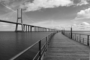 /Fotógrafos com tripé na Ponte