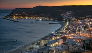 /Sesimbra by night ....