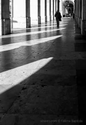 Paisagem Urbana/Na sombra para alcançar a luz