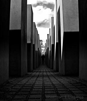 /Memorial do Holocausto (Ler descrição)