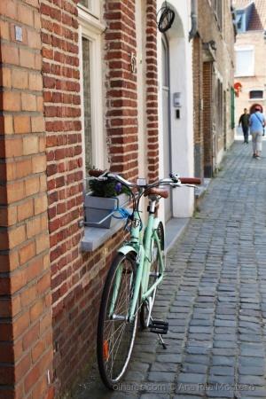 Paisagem Urbana/Numa rua em Bruges.