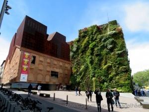 Gentes e Locais/Jardim Suspenso - Madrid