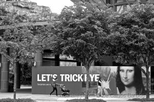 /let's trick eyE