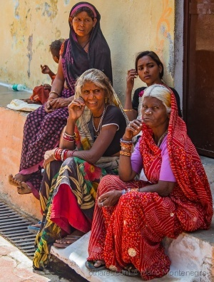 /A India, as mulheres e as cores