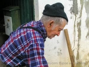 """Gentes e Locais/o """"rachador"""". (ver fotografia anterior)"""